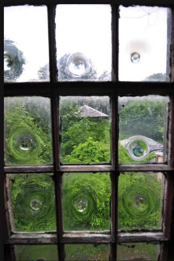The Bulls Eye Glass Pane Peachridge Glass