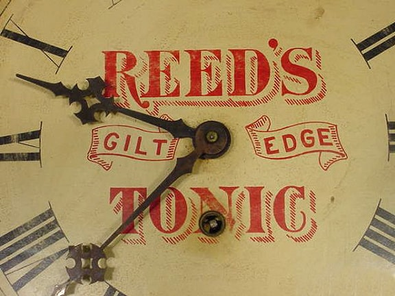 ReedsGiltEdgeTonicClockFace