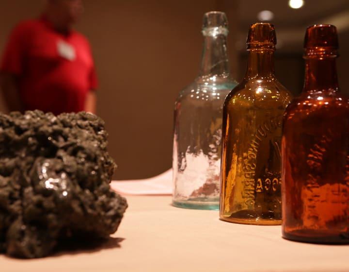 S_GW_Rock&Bottles
