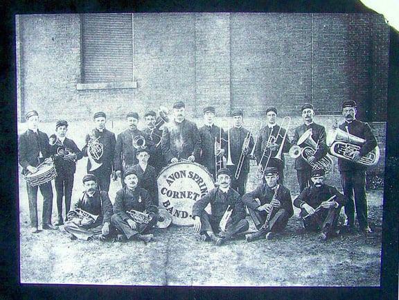 avon spring band